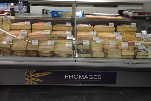 Edelweiss Market Fromagerie 02